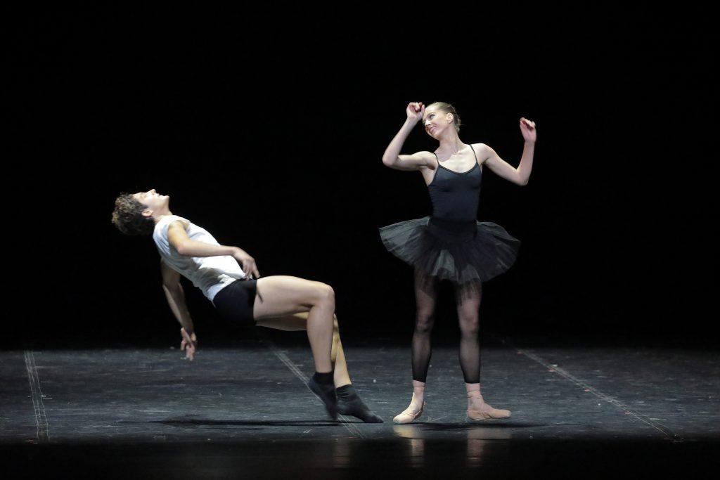 Ballet 102 Lotte James Martin Nudo © Wilfried Hösl